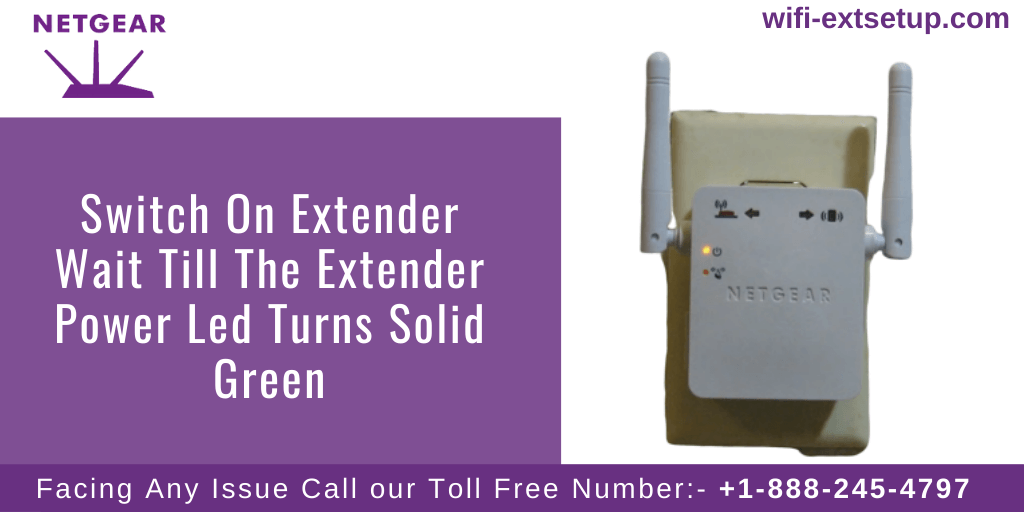Image of white color N300 Extender, with Power LED Indication Solid Green Light.